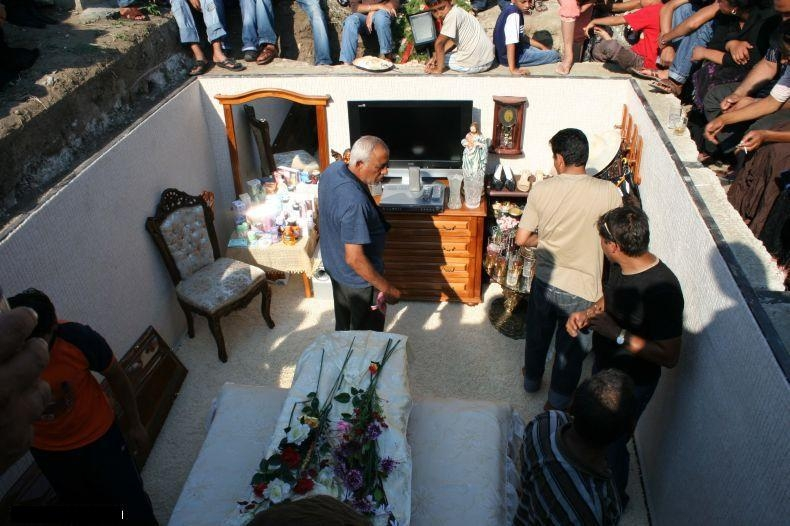 Pictures of a Luxurious, Fully Furnished Grave