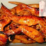Picture Suggesting Chicken Wings are Dangerous to Eat